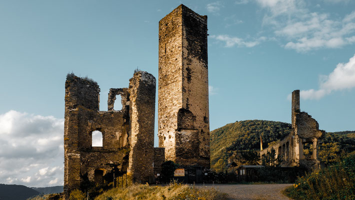 Burg Metternich oberhalb Beilstein / Mosel