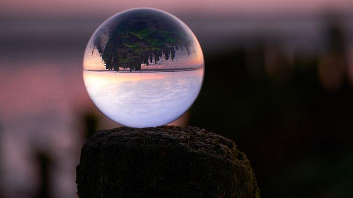 Glaskugel-Fotografie im Watt bei Spieka-Neufeld