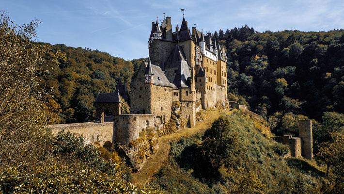 Burg Eltz im Elzbachtal bei Wierschem / Mosel