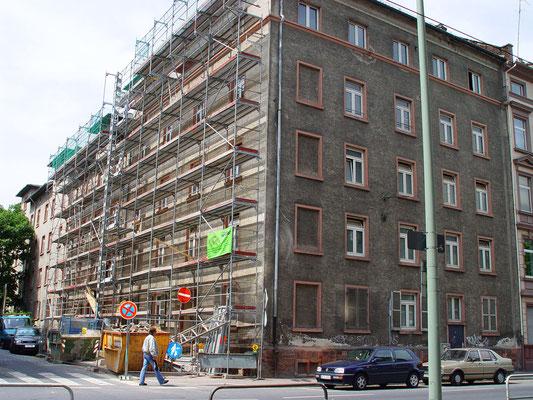 Wohnkomplex Frankfurt am Main: - Schadensanalyse / -Schwammsanierung / -Zimmereiarbeiten
