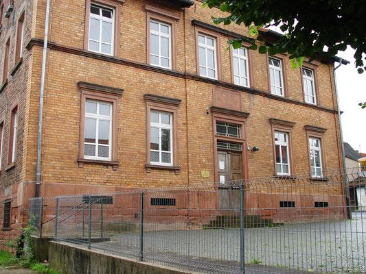Schule Mittelgründau: -Schwammsanierung  / -Sandstrahlen der Kellergewölbe