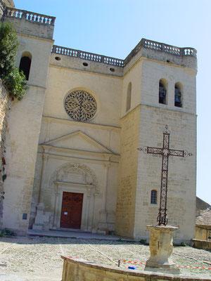 Kirche Grignan / Frankreich: -Bekämpfender Holzschutz im Mikrowellenverfahren