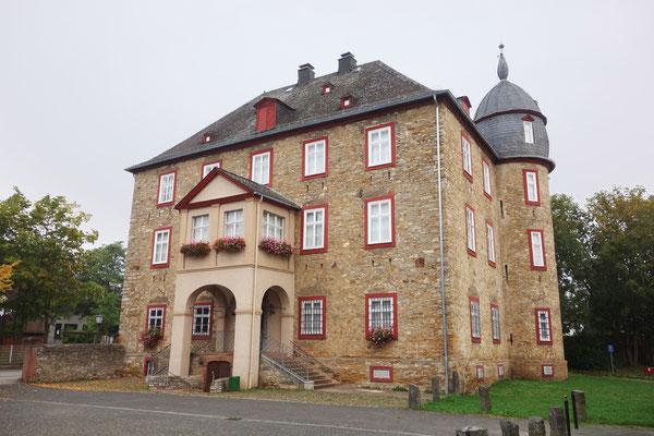 Schloss Aßlar Werdorf: -Schimmelpilz Bekämpfung / -Sandstrahlen der Kellergewölbe