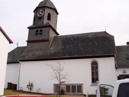Ev. Kirche Groß Rechtenbach: -Schwammsanierung / -Sanierung der gesamten tragenden Turm und Dachstuhlkonstruktion