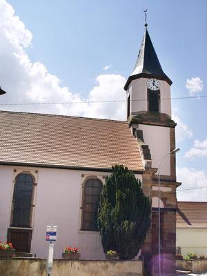 Kirche Mittelschaffolsheim / Frankreich: -Bekämpfender Holzschutz im Mikrowellenverfahren
