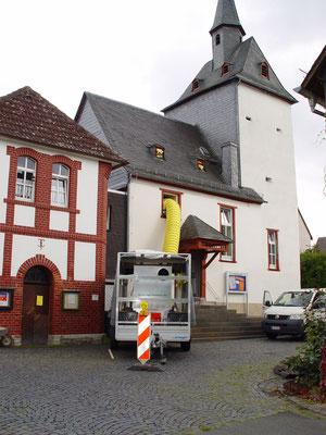 Ev. Kirche Ehringshausen: -Bekämpfender Holzschutz im Heißluftverfahren