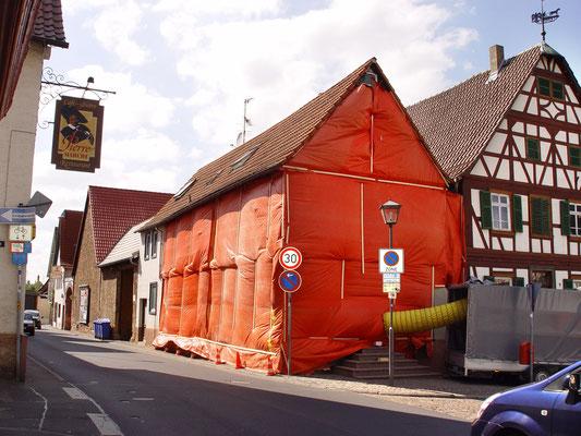 Fachwerkhaus Groß Ostheim:  -Bekämpfender Holzschutz im Heißluftverfahren