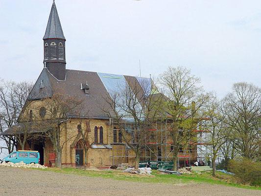 Kath. Kirche Bodenheim: -Schwammsanierung / -Sanierung der gesamten tragenden Turm und Dachstuhlkonstruktion