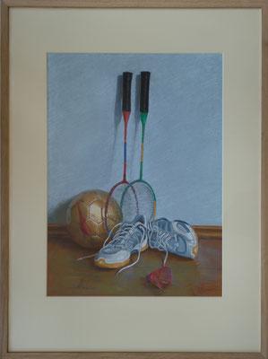 Stillleben mit Badmintonschläger 65x50, Pastell eingerahmt Passepartout, Holzrahmen 90x70