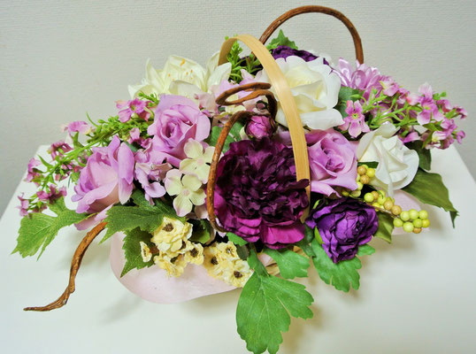 4.Purple Basket ¥6.500 (H:25cm,W:40cm,D25cm)