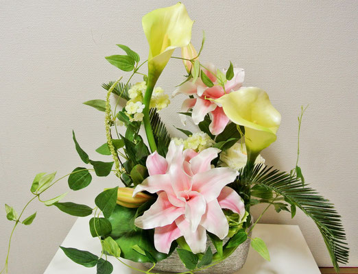 7.Lily&calla ¥20.000 (H:50cm,W:40cm,D22cm)