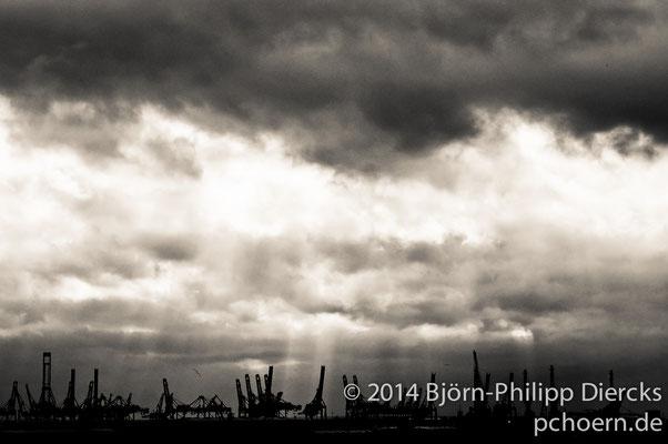 Sonnenstrahlen, Hafen