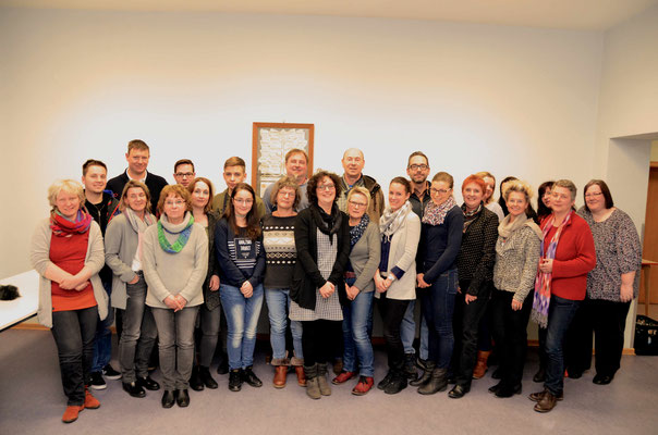 Mitglieder im Bildungsbeirat Helsa aus Kommunalpolitik, Schulen, Kindertagesstätten, Elternbeirat, kommunaler Jugendarbeit, Kirchen und Vereinen