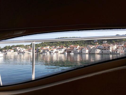 Blick aus dem Fenster von Bord aus