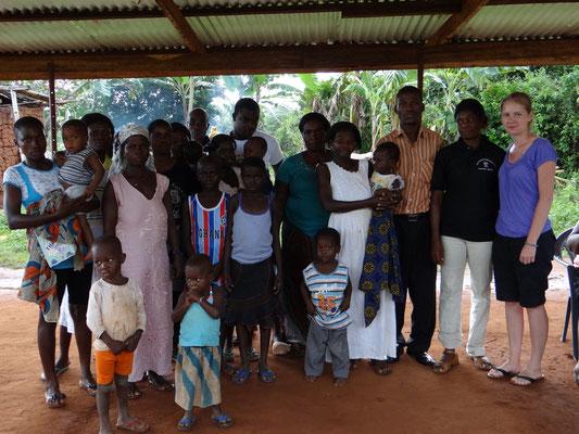 In Asasekorkor konnten wir insgesamt 19 Personen krankenversichern.
