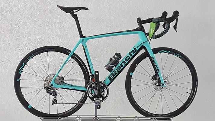 € 4399,-   statt € 4699,-   Bianchi Infinito CV Disc Ultegra CP R518 RH 57   Art.Nr.: 20623