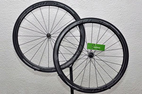 € 1999,- statt € 2498,-   FFWD Carbon F4R Special Laufradgarnitur f. Schlauchreifen Art.Nr.: 17447