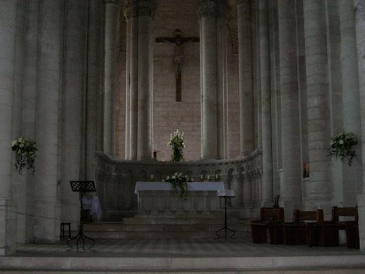 Décoration de l'église de Cunaut. Le Clos des Roses