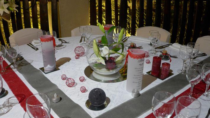centre de table mariage Lys Roses et Arum 16 euros