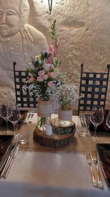 centre de table champêtre avec Roses, Chardon, Gypsophile et Muflier 18 euros