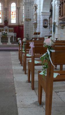 bancs d'église blanc et rose pâle : 6 euros