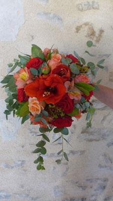 Bouquet de mariée, bordeaux saumon, le clos des roses 50 euros