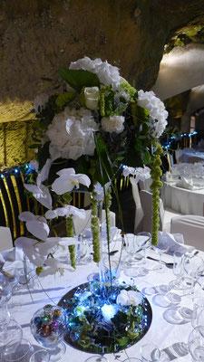 Coupe martini en Hortensia et Orchidées blanches 90 euros