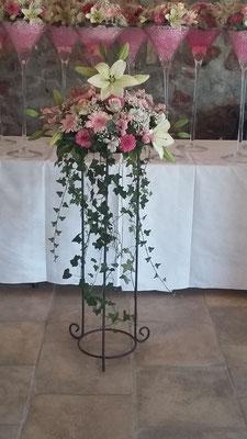 Vasque fleurie 50 euros de fleurs
