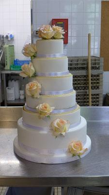 Wedding cake avec nos Roses Eudora # cultures biologiques