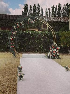 Arche circulaire. Budget 200 euros de fleurs