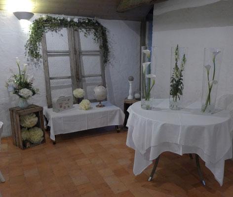 vases coniques prêter fleurs choisies 25 euros