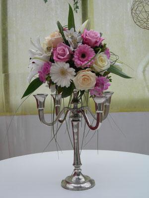 centre de table mariage chandelier fleuri 30 euros