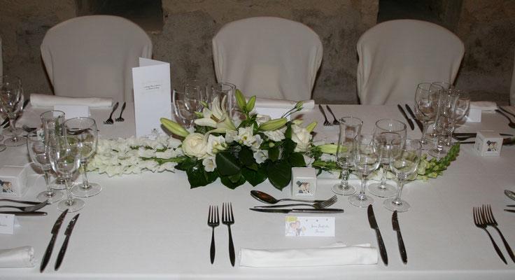 centre de table d'honneur. Table des mariés 35 euros