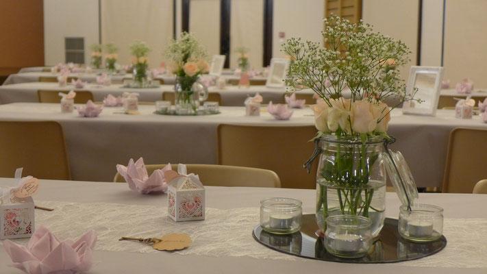 Mariage champêtre Roses et Gypsophile 15 euros