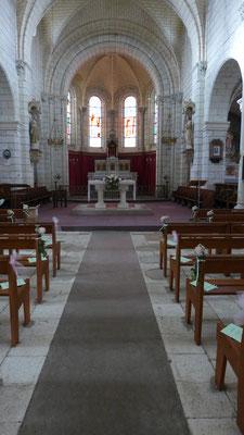 décoration d'église Saint Nicolas de Bourgueil . Le Clos des Roses