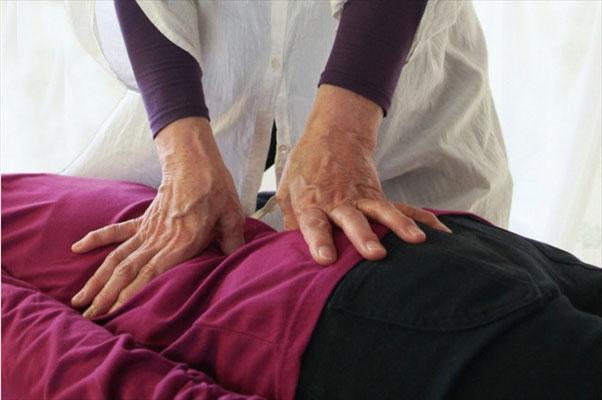 池田市の整体院【気らく庵】で筋肉を正常に施術を