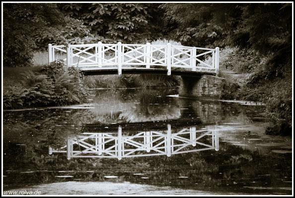 Brücke # Schwarz Weiss # Schloßpark Ostfriesland