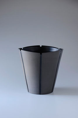 黒陶線条器