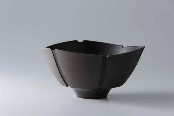 黒陶線条鉢 φ22cm