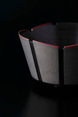 黒陶赤絵線条鉢 φ20cm