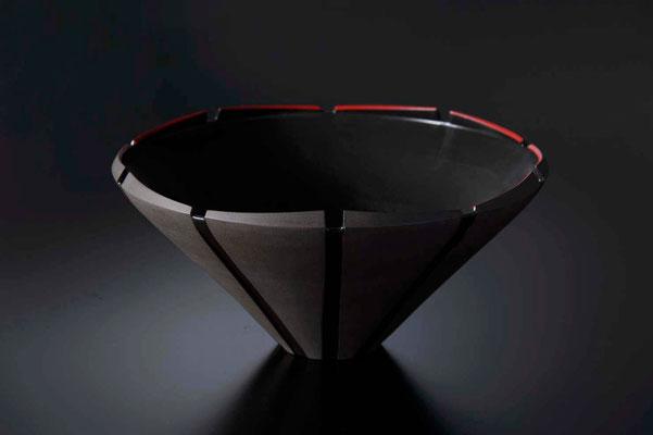 黒陶赤絵線条鉢 φ31cm