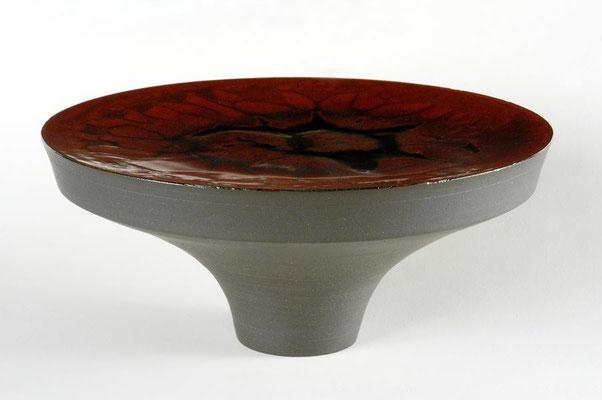 黒陶朱釉台