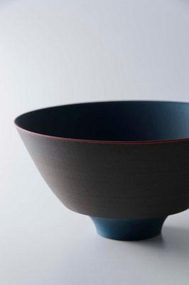 黒陶青釉線条鉢 φ21cm