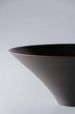 黒陶赤絵鉢 φ24cm