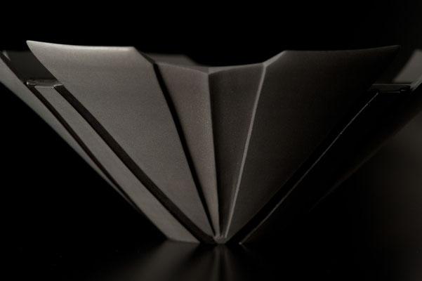 黒磁甲紋大器