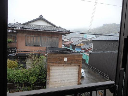 二階窓から見た景色(町側)