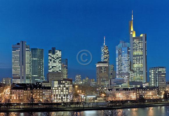 Skyline Frankfurt im Querformat 34