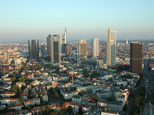 Skyline Frankfurt im Querformat 42