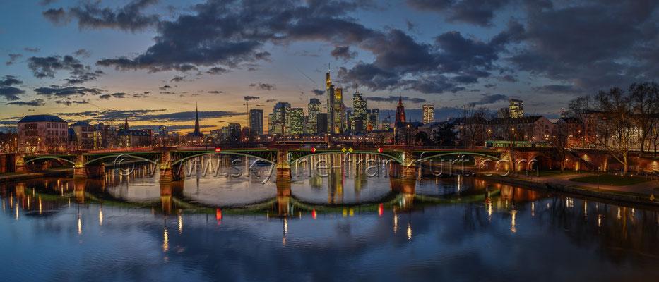 skyline-frankfurt-230
