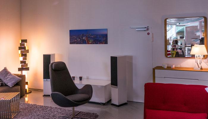 ausstellung bei fashion for home skyline frankfurt fotos. Black Bedroom Furniture Sets. Home Design Ideas